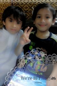 With his kembar. Serupa tak?